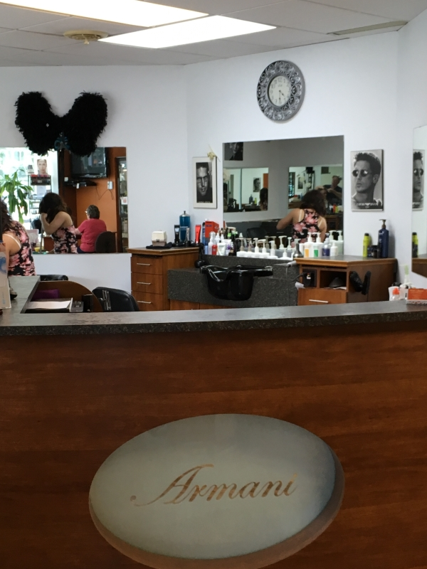 Photo de Armani Coiffure - Salons Hairstyling